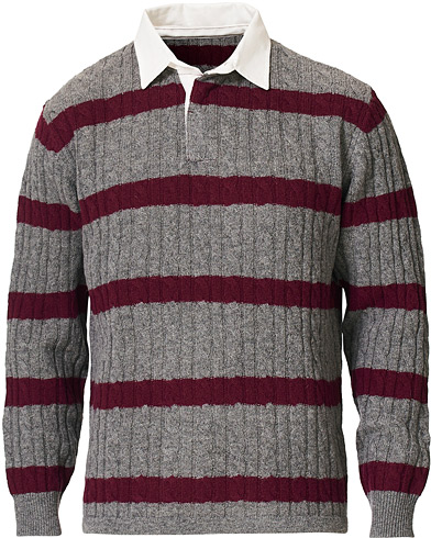 BEAMS PLUS Knitted Cable Rugger Grey/Red in der Gruppe Kleidung / Pullover / Rugbypullover bei Care of Carl (19558211r)